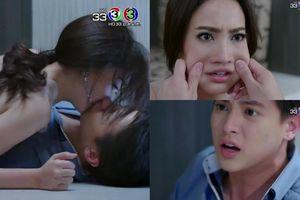 Tập 1 'Trò chơi tình ái': Mới 20 phút đầu, Taew Natapohn đã đè James Jirayu ra hôn… đánh ghen