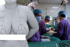 Người phụ nữ ngực quá to, mỗi bên 1,5 kg nên phải phẫu thuật... cho dễ thở