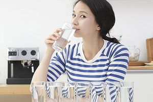 Quy tắc uống 8 ly nước lọc mỗi ngày giúp giảm cân, học ngay để nhanh chóng sở hữu vóc dáng 'chuẩn từng centimet'