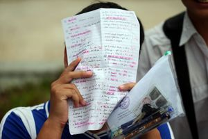 Thi THPT quốc gia 2018: Bật khóc vì đề thi quá khó