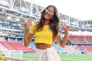 Thiên thần Victoria's Secret cổ vũ Brazil, bỏ bê bạn trai thủ môn Đức