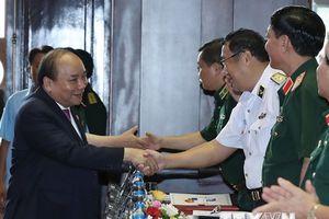Thủ tướng dự Hội nghị Quân chính toàn quân 6 tháng đầu năm