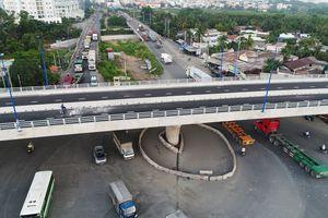 Cầu vượt nút giao Mỹ Thủy ở Sài Gòn trước giờ thông xe