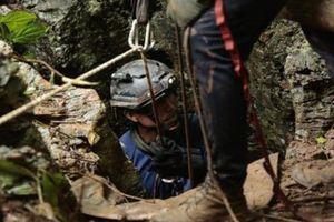 Giải cứu đội bóng ở Thái: Đội cứu hộ tìm thấy lỗ thông mới