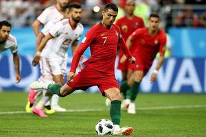HLV Uruguay: 'Ngay cả Godin cũng không đủ sức ngăn Ronaldo'