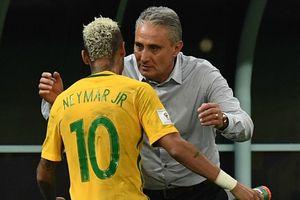 Huấn luyện viên Brazil vượt mặt Neymar ở quảng cáo World Cup 2018
