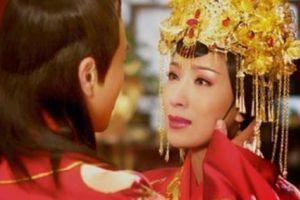 Hoàng đế Trung Hoa và mối tình điên dại với bảo mẫu già hơn 19 tuổi
