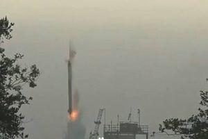 Tên lửa triệu đô chưa kịp bứt lên không trung đã rơi ngược nổ tan tành