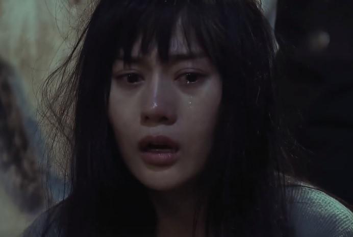 Cảnh đánh đập gái mại dâm dã man trong 'Quỳnh búp bê' gây bão