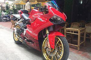 Môtô giá rẻ Benelli BN 302 'nhái' Ducati 1199 Panigale ở Hà Nội