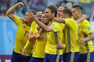 Forsberg 'nổ súng', Thụy Điển vượt qua Thụy Sĩ tiến vào tứ kết