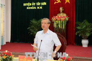 Thường trực Ban Bí thư Trần Quốc Vượng làm việc tại Bình Định
