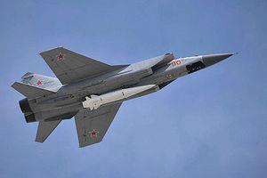 Nga tích hợp tên lửa Kinzhal lên Tu-22M3, Mỹ có run?