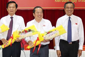 Bí thư Huyện ủy Phú Quốc được bầu kiêm chủ tịch huyện