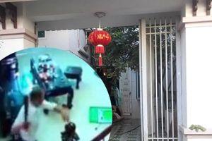Clip: Trạm trưởng y tế dùng dao tấn công khiến 3 người thương vong
