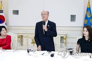 'Nữ thần Kpop' Yoona được phu nhân Tổng thống mời ăn trưa ở Nhà Xanh