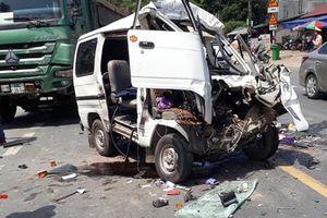 Bị xe tải tông trực diện, 5 người nhập viện cấp cứu