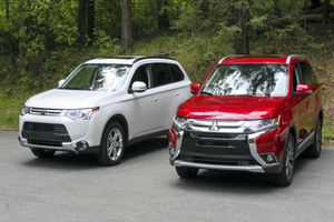Bảng giá Mitsubishi tháng 7/2018: SUV Outlander giảm hơn 50 triệu đồng
