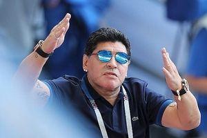Maradona bị FIFA chỉ trích vì gọi chiến thắng của ĐT Anh là 'ăn cắp'