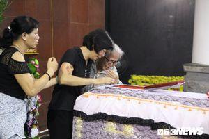 Xúc động đám tang cô bé 12 tuổi hiến tặng giác mạc