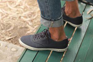 Vì sao nam giới bị ám ảnh với giày sneakers?