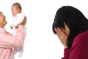 Không sinh được, nhưng tôi vẫn buồn khi chồng có con riêng