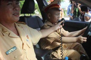 3 cảnh sát giao thông Đà Nẵng được khen thưởng