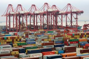 Nga, Trung Quốc đồng loạt đáp trả Mỹ trong cuộc chiến thương mại