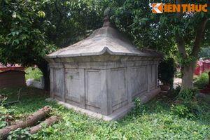 Những ngôi mộ cổ bề thế giữa phố phường sầm uất Hà Nội