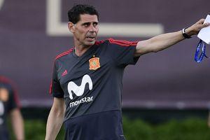 HLV Fernando Hierro chia tay đội tuyển Tây Ban Nha