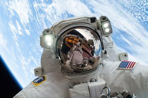 Ngạc nhiên với những sự thật thú vị về không gian