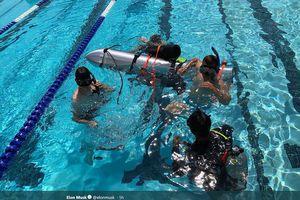 Tỉ phú Elon Musk gửi tàu ngầm mini đến cứu đội bóng Thái Lan