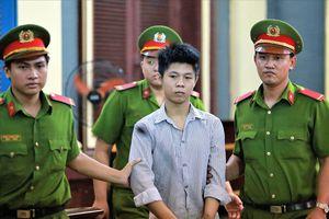 Bị tử hình, bị cáo 18 tuổi thảm sát 5 người xin được hiến tạng