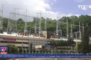 Thủy điện Hòa Bình tiếp tục mở cửa xả đáy số 2