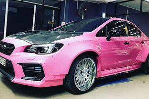 Subaru Impreza STI phong cách 'điệp vụ báo hồng' ở Sài Gòn
