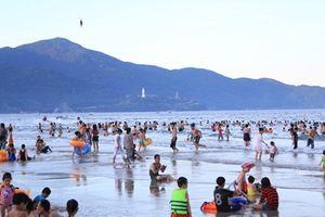 Tìm ra nguyên nhân gây mẩn ngứa cho hàng loạt du khách tắm biển Đà Nẵng