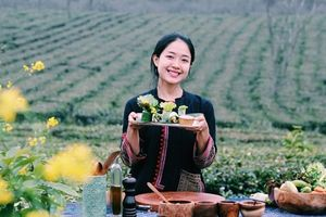 Du học sinh làm kênh YouTube quảng bá ẩm thực Việt