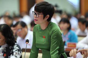Đại biểu HĐND TP.HCM đau đáu hình ảnh công nhân ngâm mình ở cống thối
