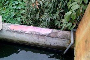 Nghi đổ thuốc sâu vào bể nước hàng xóm:Quan hệ bất chính?