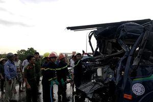 Hiện trường thảm khốc vụ tai nạn nghiêm trọng tại Nghệ An