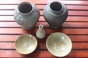 Hà Tĩnh phát hiện nhóm cổ vật bên ngôi mộ cổ
