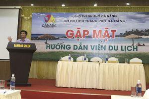 Đà Nẵng: Vấn nạn hướng dẫn viên 'chui' Trung Quốc lộng hành