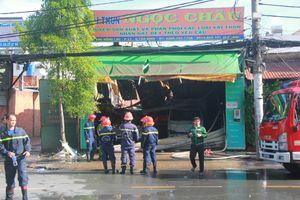 Cháy lớn ở Sài Gòn lúc rạng sáng, nhiều người thoát chết