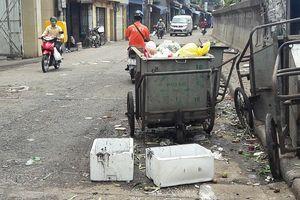 Phường Phúc Xá, Ba Đình: Đường Hồng Hà ô nhiễm vì rác, phế thải