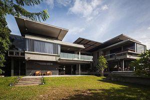 Ngắm ngôi nhà cho hai thế hệ có kiến trúc đẹp như resort