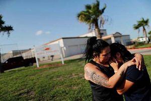 Xúc động cuộc đoàn tụ của những gia đình nhập cư ở Mỹ