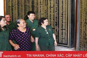 Ngã ba Đồng Lộc - chầm chậm một lối về...