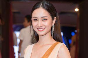 Ngô Thanh Vân, Jun Vũ tươi tắn trên thảm đỏ lễ trao giải phim ngắn