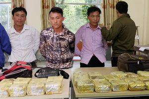 Bắt 3 đối tượng vận chuyển 18.000 viên ma túy tổng hợp