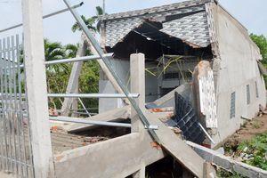 Căn nhà hơn nửa tỷ vừa xây xong đã sập